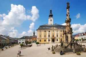 V muzeu na Mezinárodní den průvodců rozdávají dárky– poznejte architekturu a osobnosti Poličky