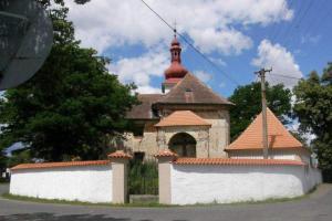 Kostel sv.Bartoloměje v Solopyskách skrývá hrobku Vraždů z Kunštátu