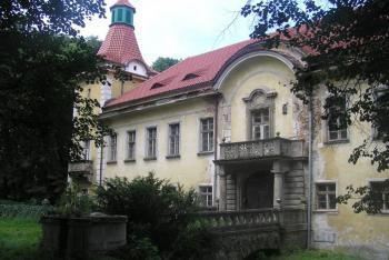 Na zámku v Lukavci trávil své mládí básník Antonín Sova