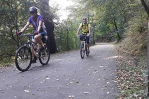 Cyklistické trasy jsou v obležení, projelo a prošlo po nich 1,6 miliónu lidí