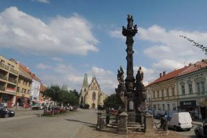 Mariánský sloup v Rakovníku je ozdobou náměstí