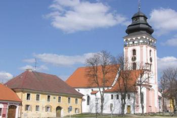 Dominantou Bechyně je kostel sv. Matěje