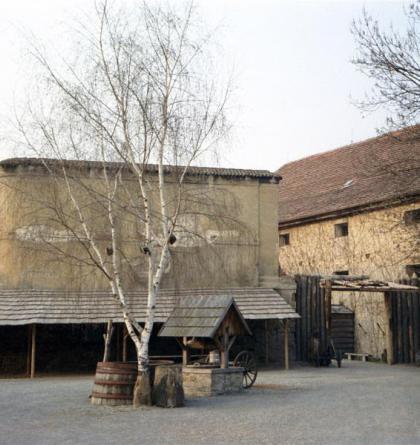 Na tvrzi Dřevčice se vrátíte do středověku