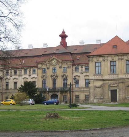 Na zámku v Měšicích působil Josef Dobrovský