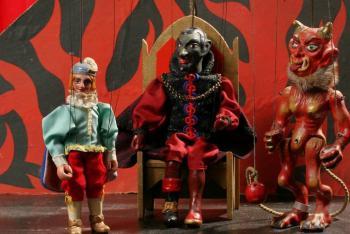 Výstava loutkových divadélek  v zámku Valtice