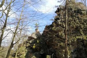 Hrad Milštejn se postupně proměnil v mlýnské kameny
