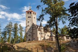 Za skalními vyhlídkami a výhledy na Liberec vyveze tramvaj