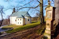 Kostel Panny Marie Sněžné v Provodově je významným poutním místem