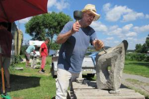 Na břehu Lipna vznikají originální sochy