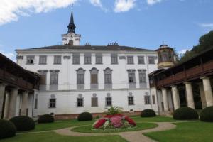 Úspěšný začátek návštěvnické sezóny na zámku v Lysicích