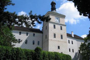 Zámek Březnice je spojen s historií lásky Filipíny Welserové s arcivévodou Ferdinandem Tyrolským