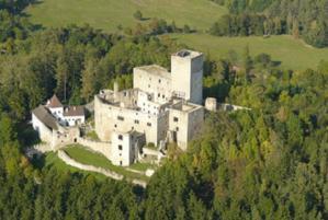 Hrad Landštejn byl mohutnou pohraniční pevností